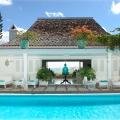 pool_lounge_area